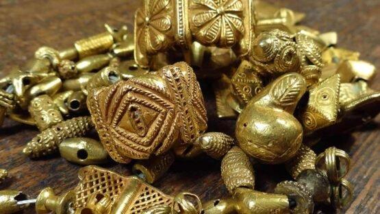 Colares de ouro do rei Ashanti