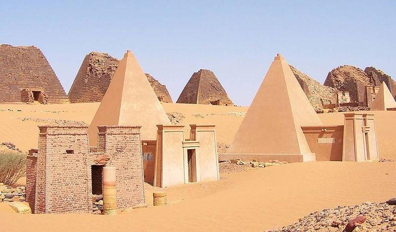 Pirâmides de Méroe, arqueologia do Sudão