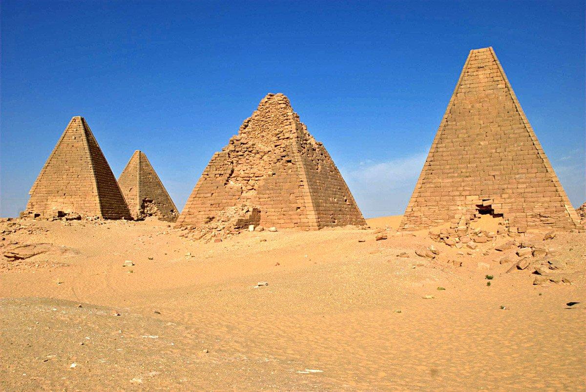 Jebel-Barkal-Sudan em Karima.