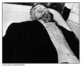 Cadáver desfigurado e mutilado de Emmett Till