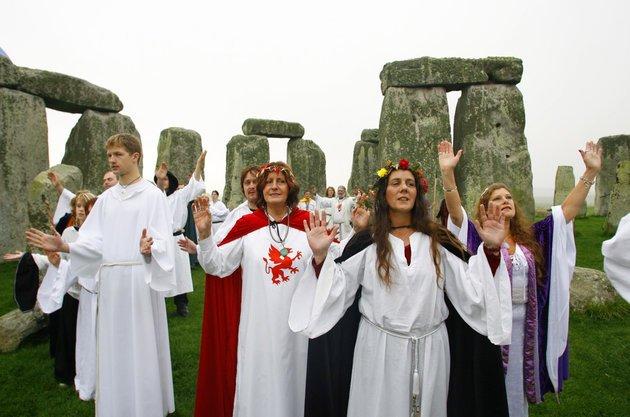 Samhain em Stonehenge, em Wiltshire,Inglaterra.