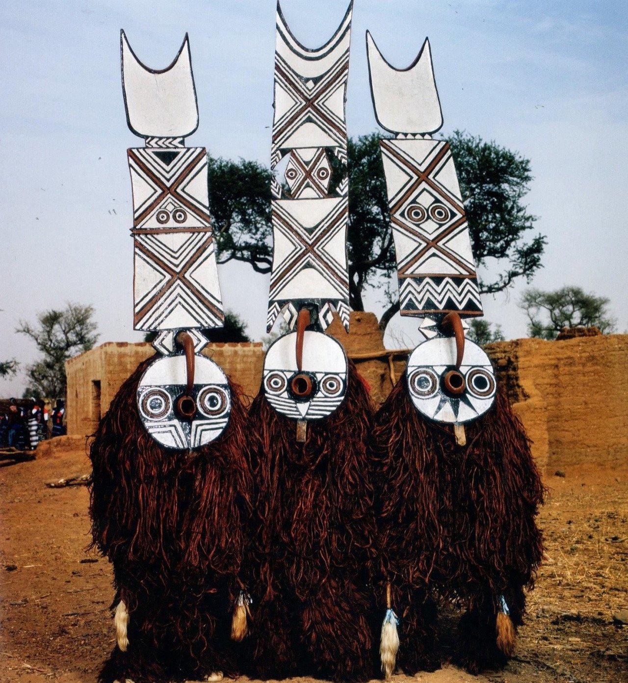 Dançarinos Bwa,Burkina Faso.