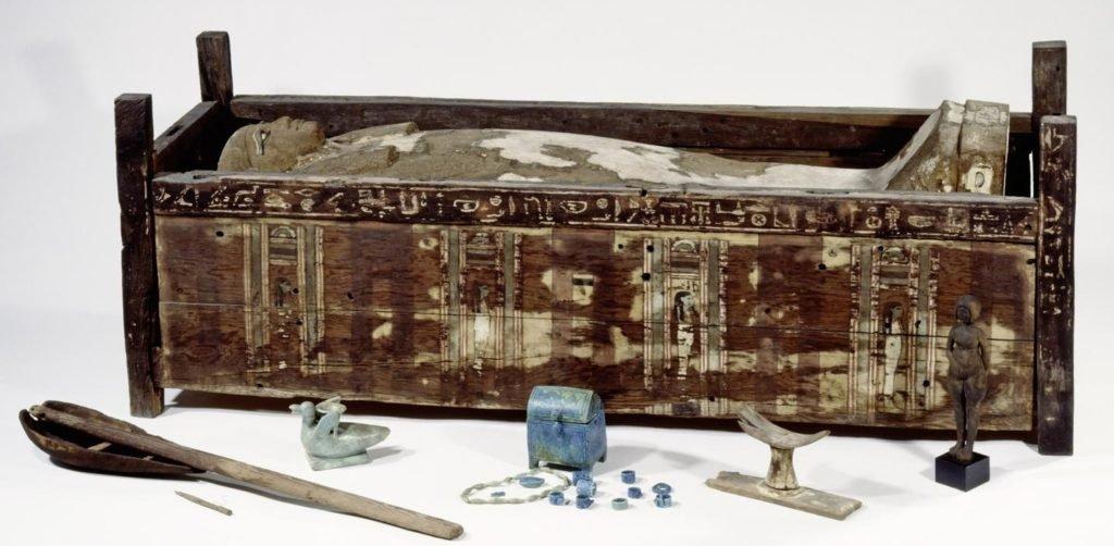 Sarcófago de Tadja, de Abusir el-Meleq, Egito.
