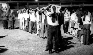 Estudantes presos no Campo do Botafogo, RJ, 1968