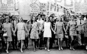 Atrizes na Passeata dos Cem Mil, RJ, 1968.