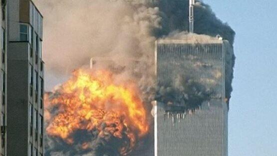 Colisão do voo 175 da United Airlines contra a contra a Torre Sul do World Trade Center.