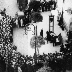 em 18 de setembro de 1981, foi abolida, na França, a pena de morte e, por conseguinte, a execução pela guilhotina