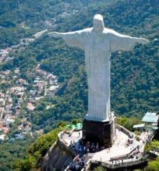 Inauguração da estátua do Cristo Redentor, no Rio de Janeiro