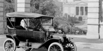 1º de Outubro de 1908, o americano Henry Ford lançou o Ford T