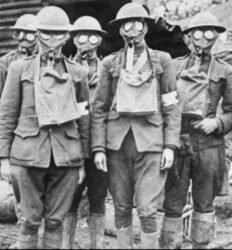Soldados com máscaras