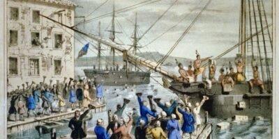 IMAGEM: Destruição do chá no porto de Boston, litografia de Nathaniel Currier, 1846.