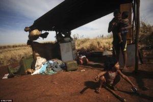 Guaranis a beira de estradas