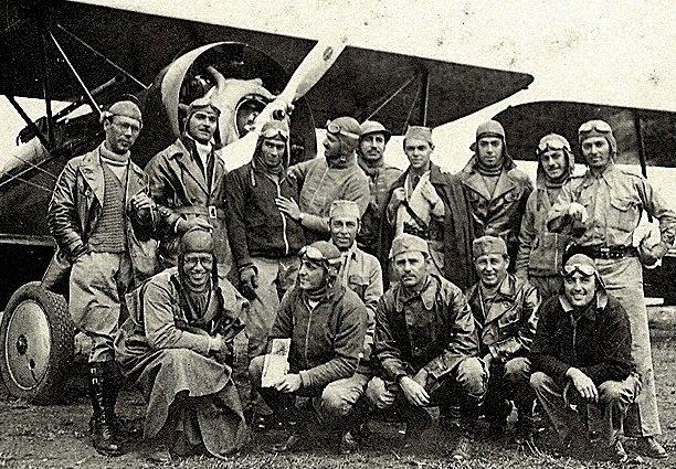 Grupo de Aviadores, 1932
